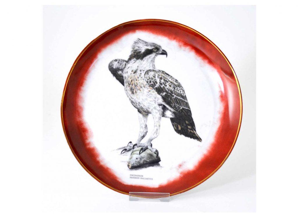 plato-decorativo-porcelana-aguila-pescadora